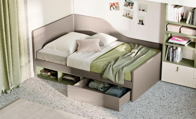 Free-standing beds